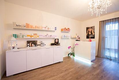 Make-up and Beauty Studio