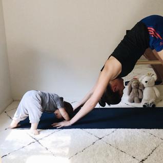 Yoga with baby: Itsy Bitsy Yoga by Helen Garabedian