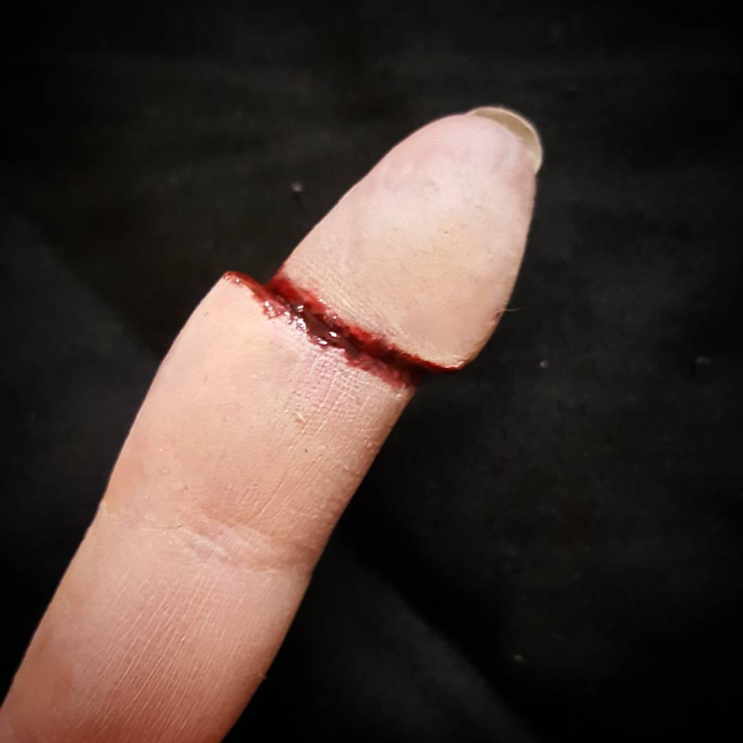 Cut off finger Special Effects Makeu