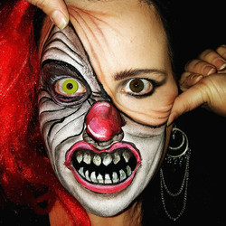 Pennywise Illusion Halloween Makeup