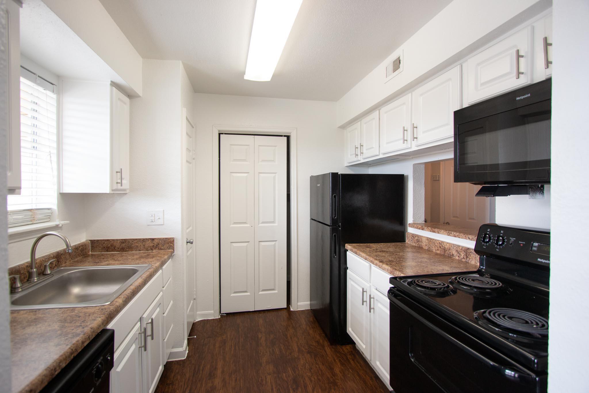 Claridge Apartments-17