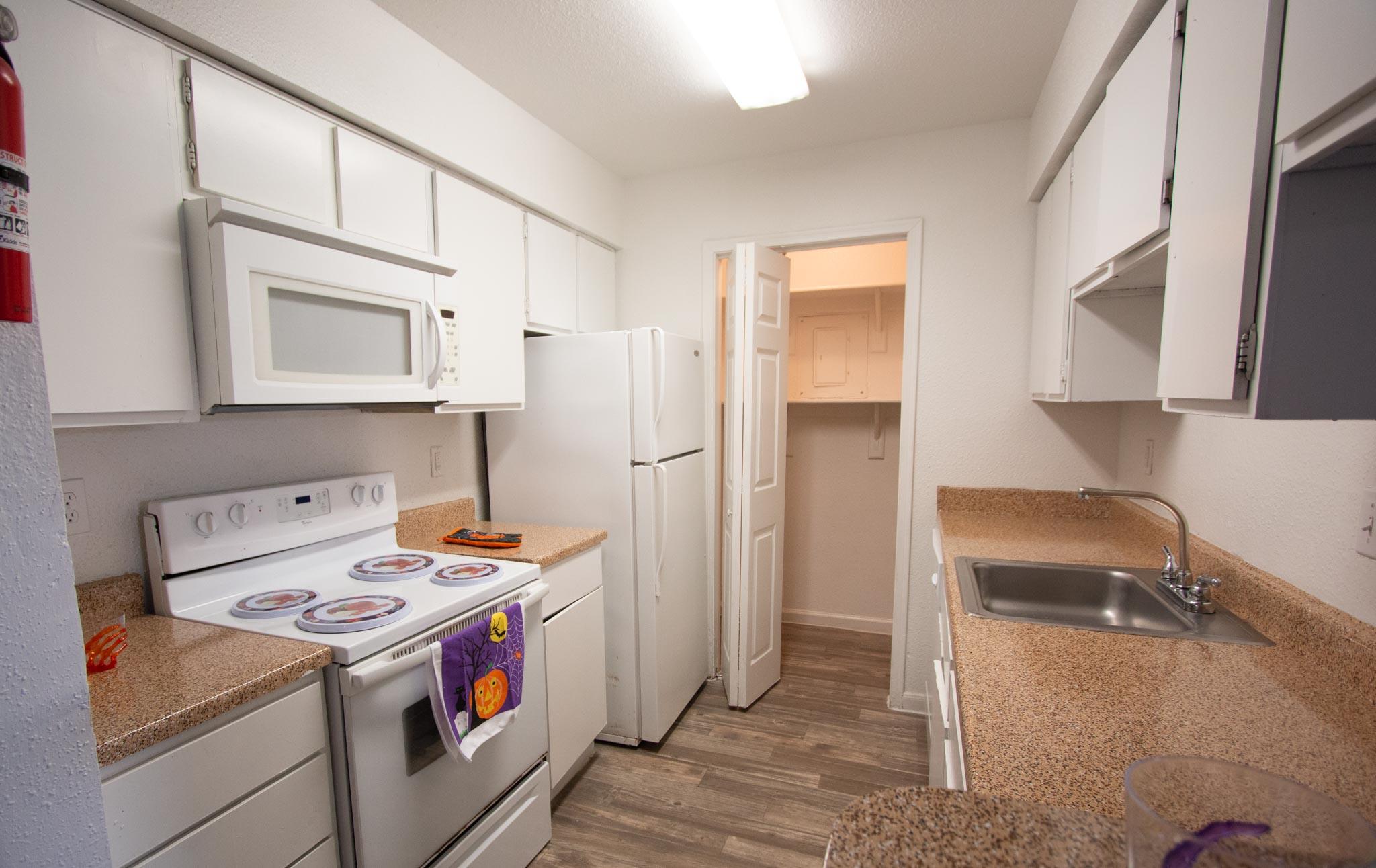 Claridge Apartments-27
