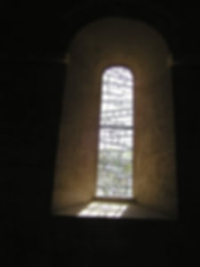 restauration du vitrail selon les instructions des architectes des Monuments Historiques