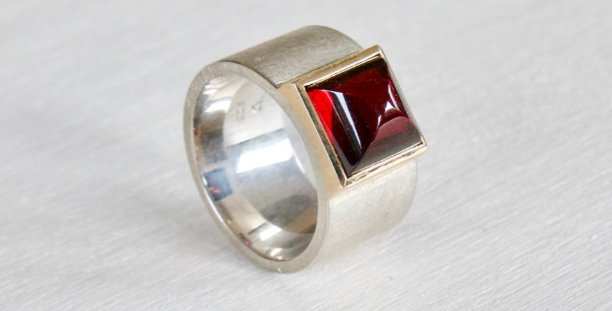 """Ring """"Rote Bischofsmütze"""""""
