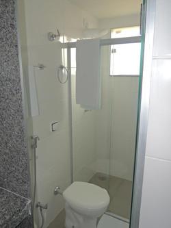 Banheiro Compartilhado 02