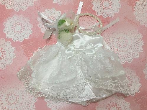 ぬいぐるみドレスSサイズ(プリンセスリボンレースタイプ)+パールネックレス+ブーケ付き