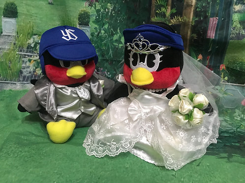 つば九郎とつばみ(お座り小)に着せられる衣装とブルーティアラ、ベールチュールセット(ぬいぐるみ含まず)