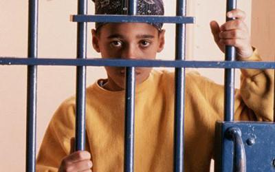 nino en prision.jpg