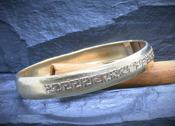 Armreif 585er Gold teilsatiniert mit Mäander-Muster, (Ø = 5,9 cm)