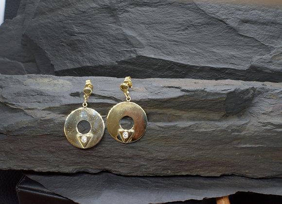 Ohrringe aus 333er (8ct.) Gold mit eingefassten Zirkonia-Steinen