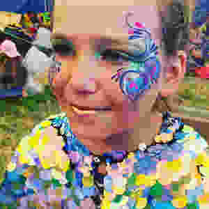 Peacock face paint Rosa Bloom cape