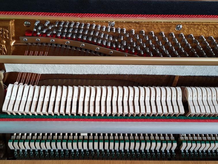 piano-4280984_1920 (1).jpg
