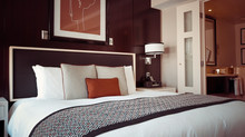 HOW TO MAKE YOUR GUESTROOM LOOK MORE INVITING & EXPENSIVE