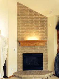 Mantel w/ Light Fireplace