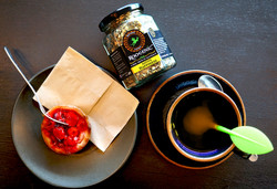 Native Happiness - In Cafe with Infuser