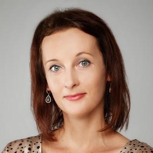 Paulina Szyzdek, Investment Analyst