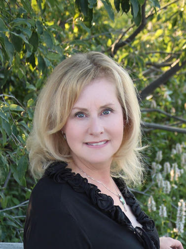 Daina Middleton, Board Director, Multiple Companies