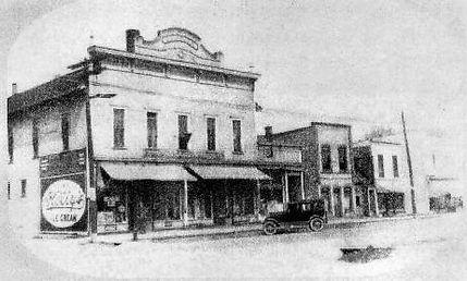 Cedar 1900's (1).jpg