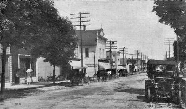 West Side Main St Cedar 1912.jpg