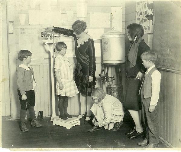 School1929KeithEldred_EdnaTotten_Mrs.Str