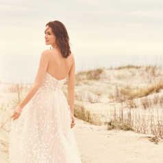 A-lijn jurk met bloemdetails en hartvormige halslijn STIJL 66117