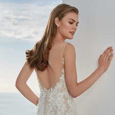 Volledig kanten fit & flare-jurk met diepe V-halslijn STIJL 88124