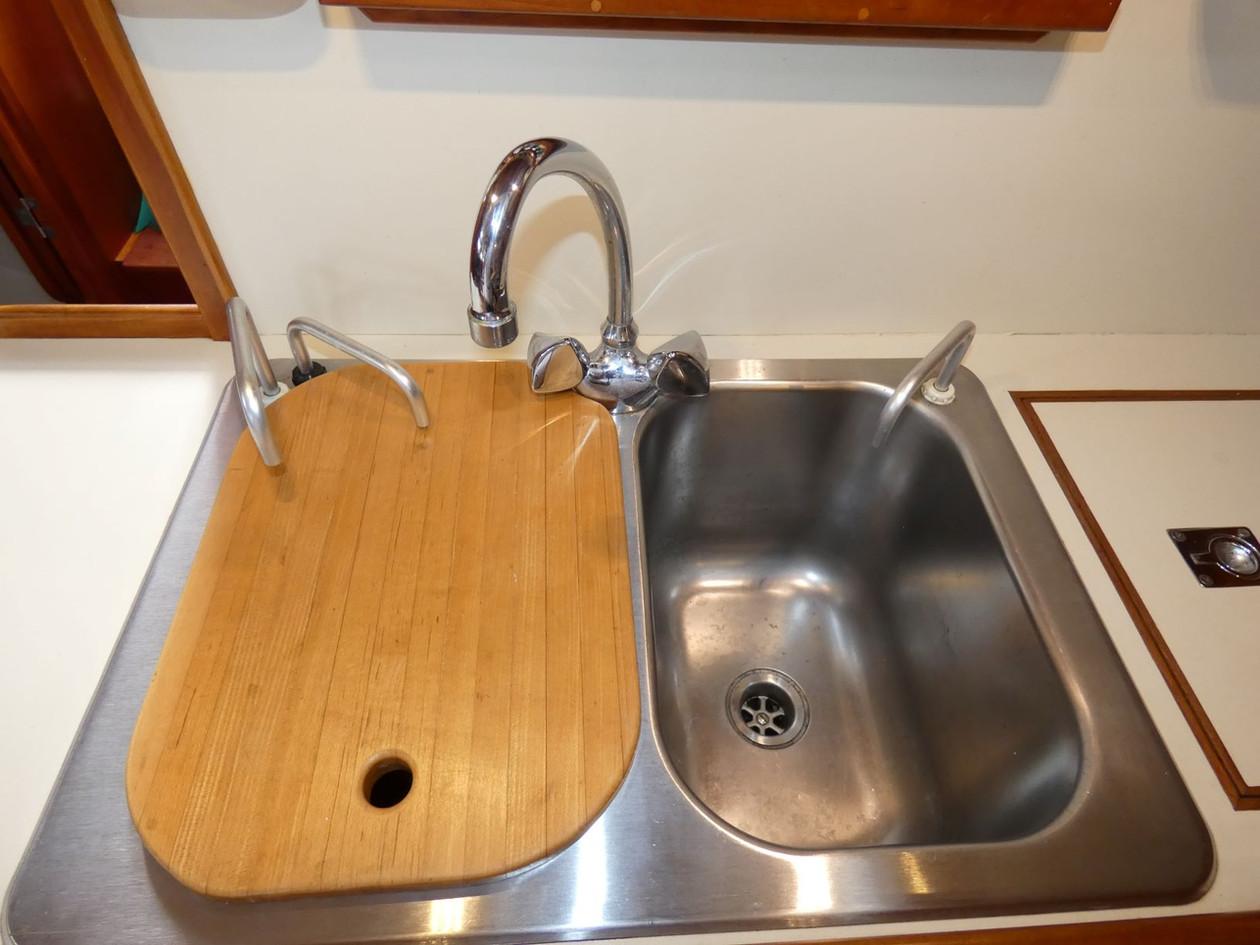 Galley Sinks.JPG