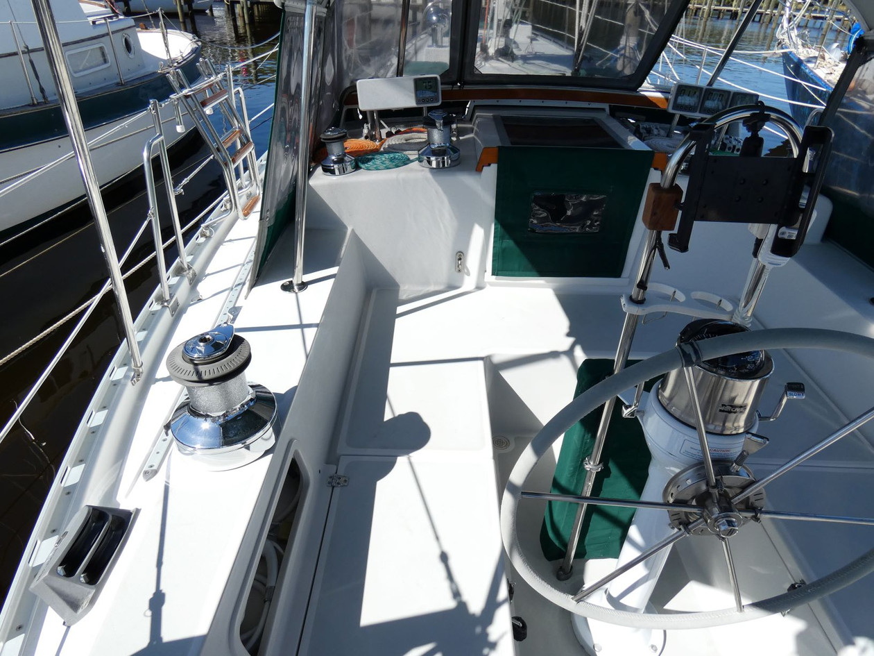 Cockpit 3.JPG