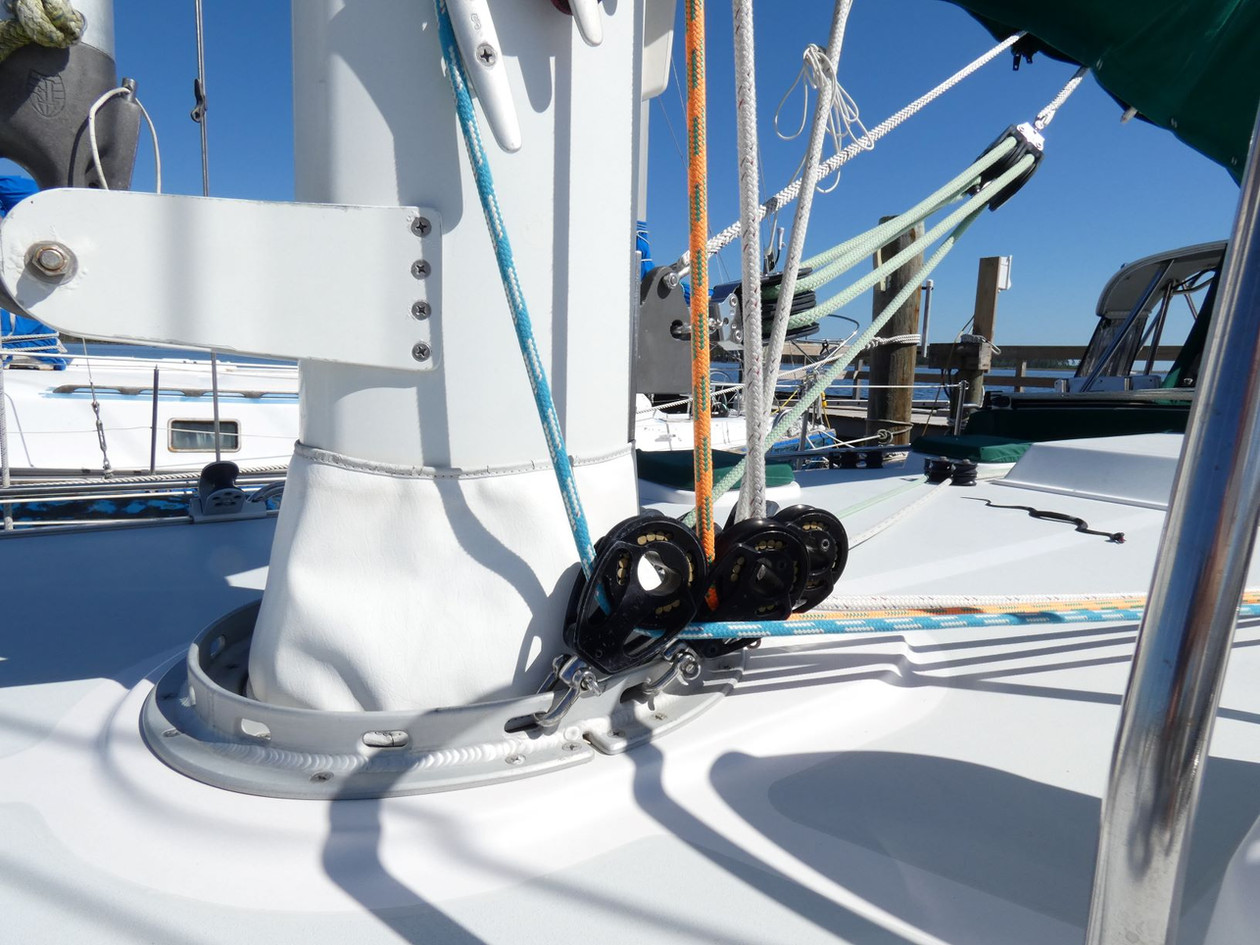 Mast Base 2.JPG