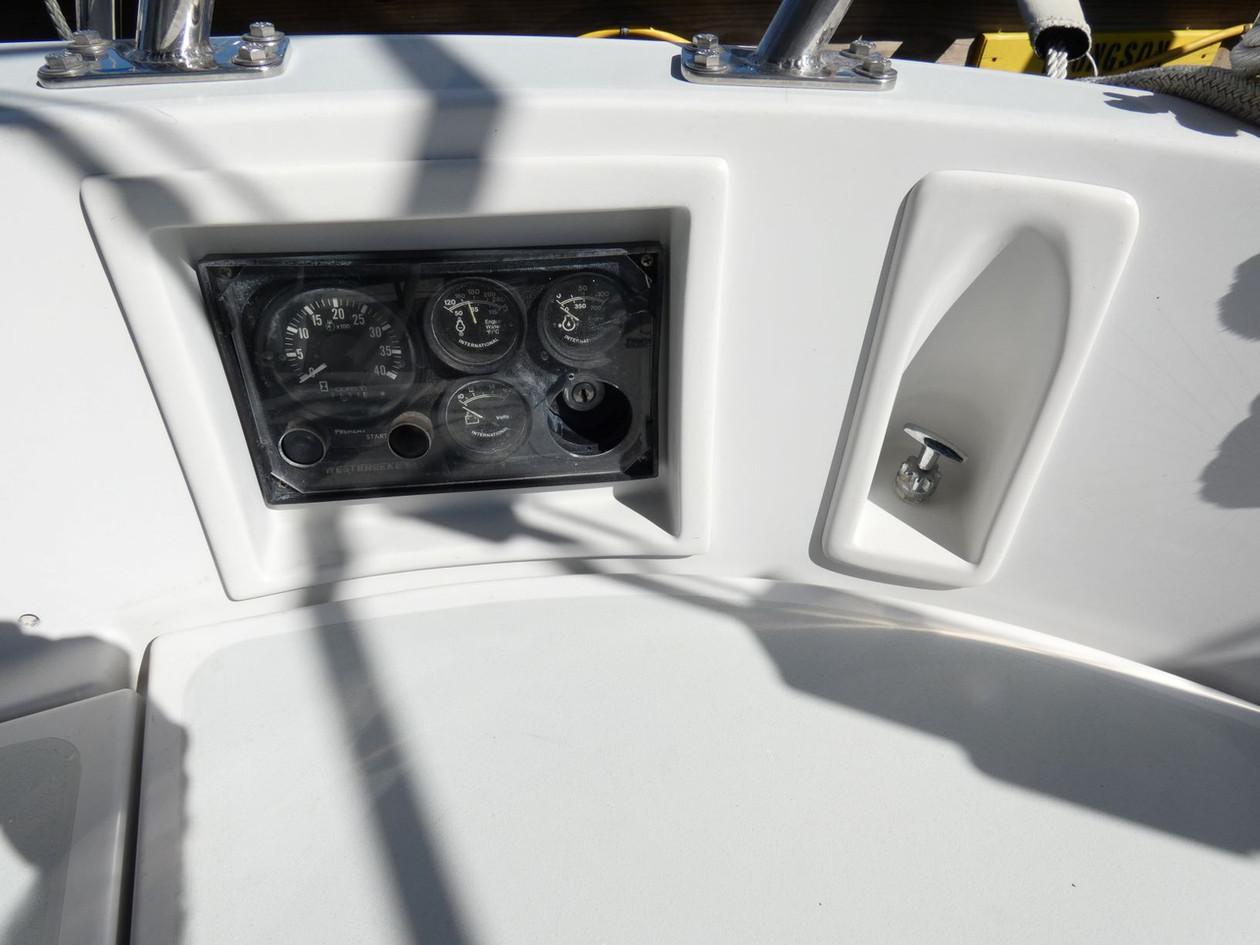 Engine Panel and Autopilot Clutch.JPG