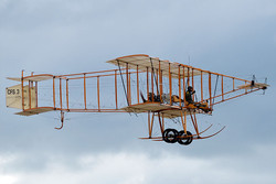 Bristol-Boxkite-airborne-at-Point-Cook