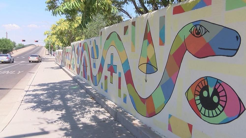 Wall at 320 Broadway SE