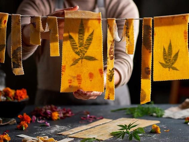 Hanging-Pasta-to-Dry-493.jpg