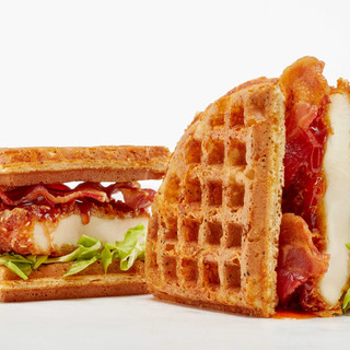 Chicken-and-Waffles-Sandwich_140.jpg
