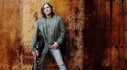 'Boni ', Barricadako gitarra-jotzaile iruindarra 58 urterekin hil da laringeko minbiziaren ondorioz