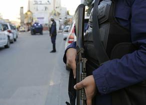 Frantziako kontsulatuak Saudi Arabian duen segurtasun guardia bati eraso diote