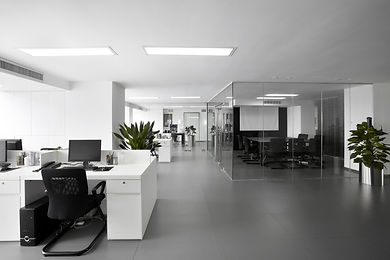 Simple and stylish office environment.jp