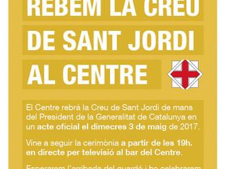 Rebem la Creu de Sant Jordi al Centre