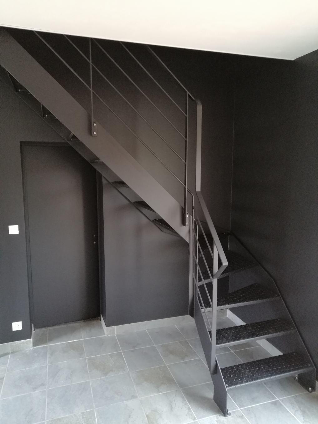 escalier acier quart tournant