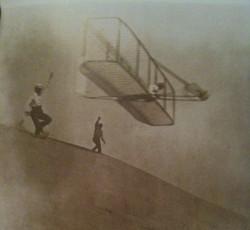 Wrights third glider Oct 18 1902 new.jpg