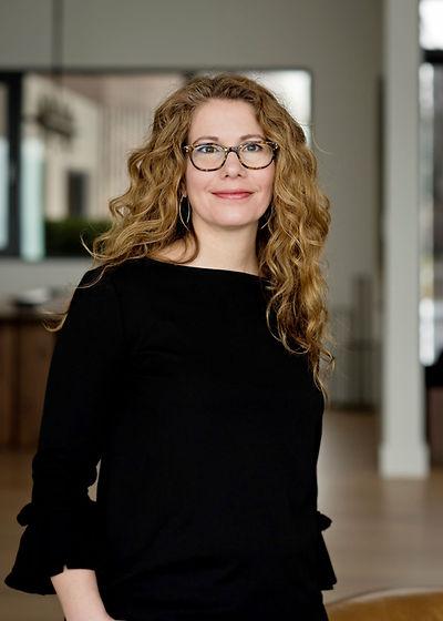 Lisa Frahm - Portrait.jpg
