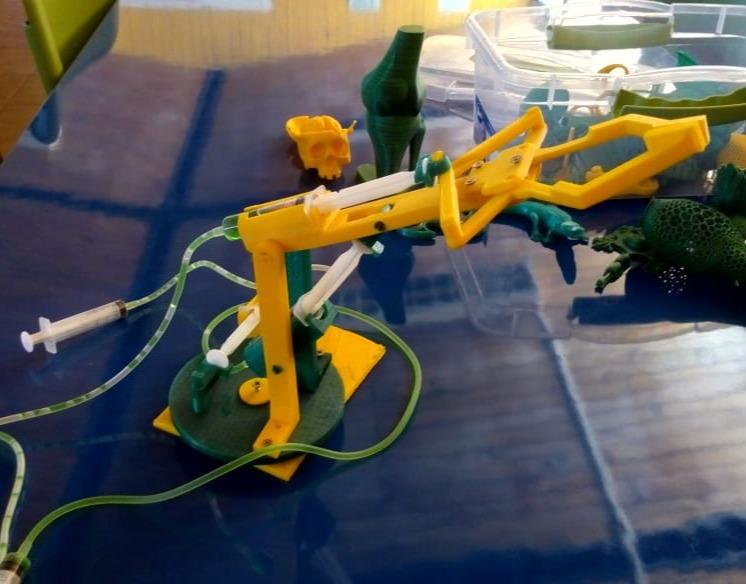 Brazo hidraulico impreso en 3D