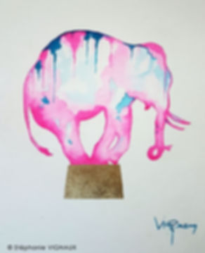 Du biscuit, ma chérie. Aquarelle. Peinture éléphant. Art figuratif. Tableau couleurs rose, bleu, or. Copyright Stéphanie Vignaux, artiste peintre à Tarbes, Hautes-Pyrénées, Occitanie