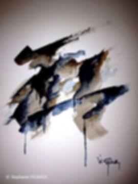 Strange arrangements. Technique mixte : Aquarelle, fusain, pierre noire. Tableau abstrait. Peinture couleur bleu,brun, marron, noir. Art. Stéphanie Vignaux, artiste peintre à Tarbes. Hautes-Pyrénées, Occitanie, France