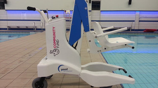 Maxi Fun Club help with portable pool lift for East Riding Leisure Haltemprice