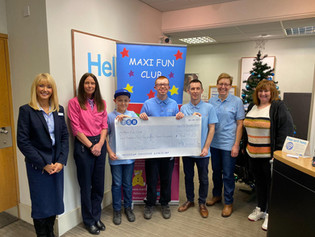TSB The Weir Hessle raise £962.25 for Maxi Fun Club