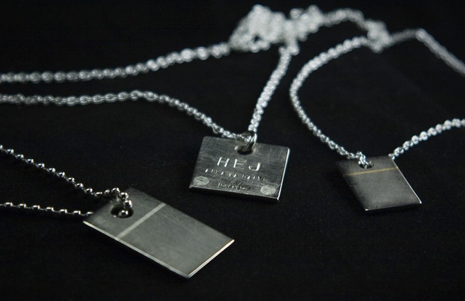 Brickor i titan & silver