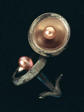 Manshettknappar i titan med akoyapärlor