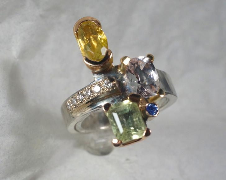 Silverring med 18k guld, briljanter, beryller, safirer och krysoberyll