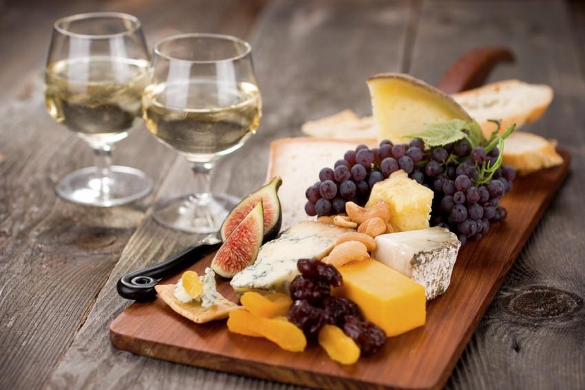 Wine-cheese-fruit.jpg